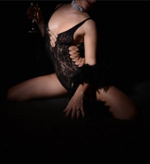 Agatha nuru massage in Minot ND